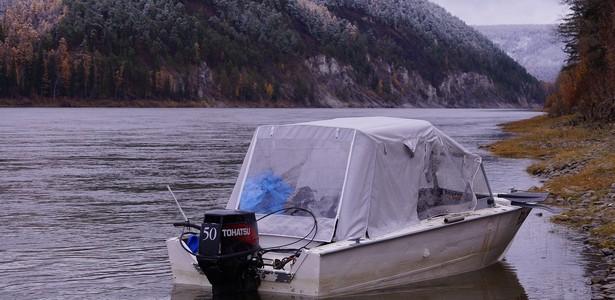 фото тентов на моторную лодку